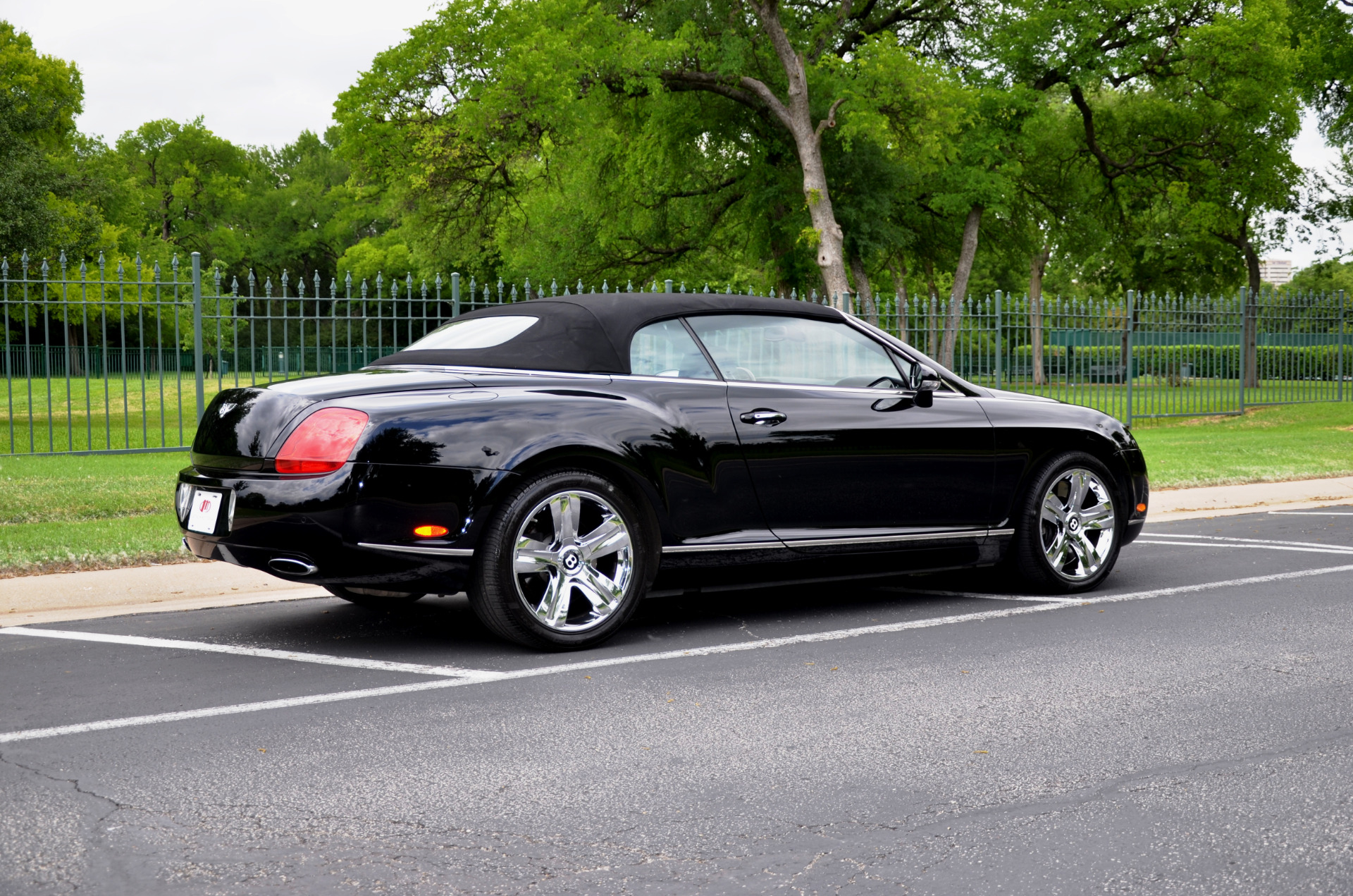 cars assist on continental park flying united spur moonroof diamond houston sale in states for bentley stitch rental